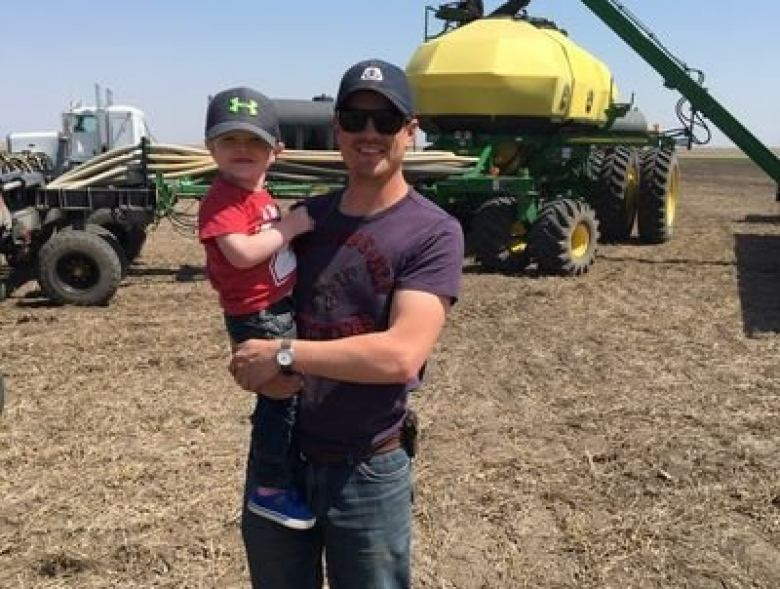 2 farmers weigh in on the pesticide vs. organic debate: Opinion   CBC News